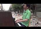 VIDEO Aeham Ahmad, il pianista di Yarmouk