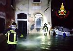 FOTO Venezia travolta dall'acqua