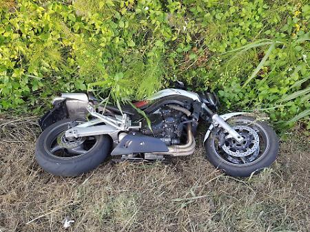 Scontro auto-moto sulla ss 196: un morto