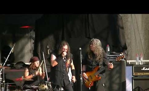 VIDEO L'esibizione della band Ancillotti
