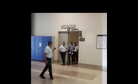 VIDEO Processo Sy: l'arrivo dell'imputato in tribunale