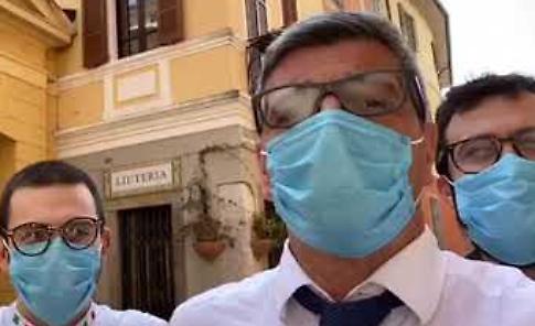 VIDEO 'Missione' de Il Violino in ospedale: cannelloni per il personale del Maggiore