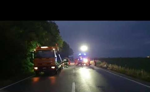 VIDEO Frontale tra due auto sulla Paullese: due vittime