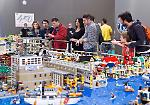 FOTO Mattoncini all'ombra del Torrazzo: tutti pazzi per il Lego