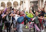 FOTO Zumba, flash mob in piazza del Comune con Hermann Melo