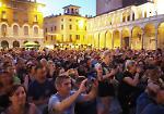 Il concerto in piazza del Comune dei Negrita