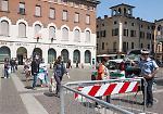 Cremona, mercato in piazza tra code e proteste