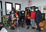 FOTO Epifania, i Pantelù consegnano i doni ai carabinieri, al vescovo e alla Croce rossa