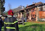 Rogo in cascina, fienile e casa distrutti