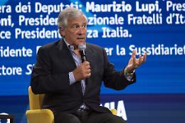 """Tajani """"Inevitabile l'obbligo se gli italiani non si vaccinano"""""""