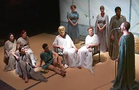Teatro Comunale, deficit ancora in calo