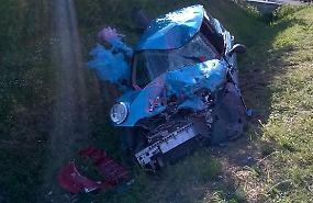 FOTO Lo scontro frontale tra un'auto e un camion a Viadana