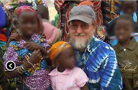 """Rapito da 10 mesi in Niger: """"Padre Gigi è vivo"""""""