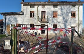 Accende una sigaretta, esplode la casa: grave 50enne