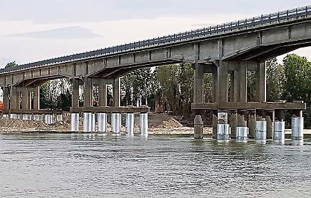 Ponte terminati i lavori alle pile del viadotto la for Ponte sopra i disegni del garage