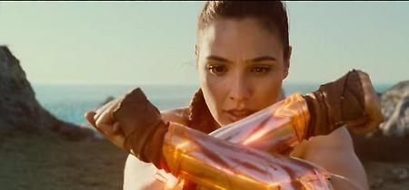 Wonder Woman, Gal Gadot: da modella a supereroina