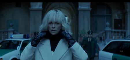 """Atomic Blonde"", Charlize Theron spia bionda e spietata"