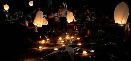 Aliano, notte magica tra 120 lanterne