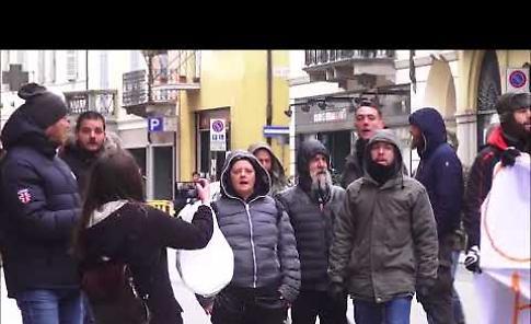 VIDEO - Le contestazioni del centro sociale Dordoni