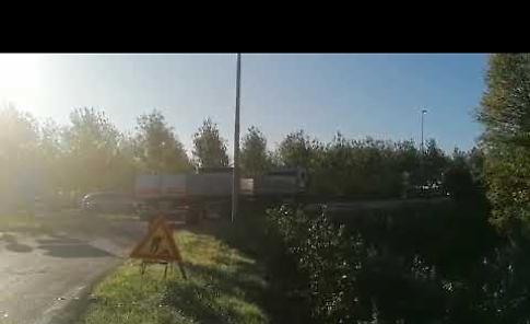 VIDEO Disagi viabilistici al Ponte Verdi a causa dei camion