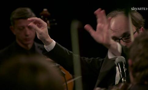 """""""La cura"""": emozionante live di Battiato con la Ensemble Symphony Orchestra"""