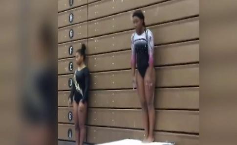 Usa, i salti prodigiosi dell'atleta 17enne: gli avvitamenti tolgono il fiato