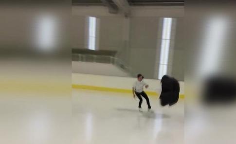 Pattinaggio sul ghiaccio col paracadute: il durissimo allenamento di Valentina Marchei
