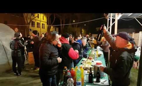 Il video del falò di Sant'Antonio a Scandolara Ravara
