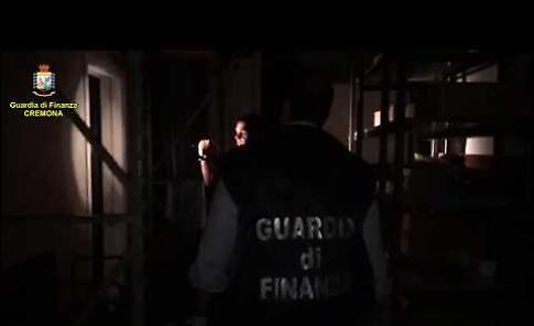 VIDEO Truffe online e riciclaggio a Cremona, l'operazione Doppio Click della Finanza di Cremona