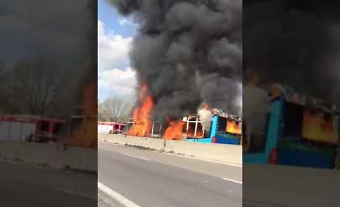 VIDEO Paura sul bus, l'incendio sul mezzo di Autoguidovie