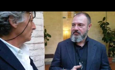 Carlo Lucarelli al Caffè Letterario