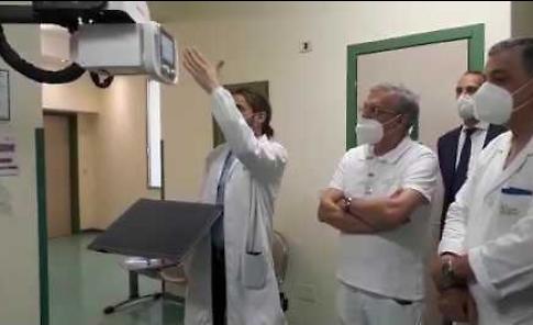 VIDEO La donazione di un macchinario all'ospedale Maggiore