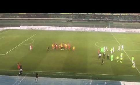 VIDEO I giocatori della Cremonese esultano con i propri tifosi dopo la vittoria di Verona
