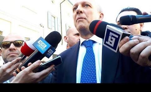 """VIDEO Il ministro: """"Una classe che ha dimostrato di essere una squadra, bravi i docenti"""""""