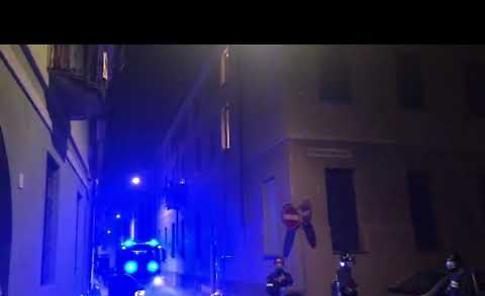 VIDEO Principio d'incendio in via Alfeno Varo domato dai vigili del fuoco