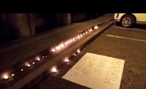 VIDEO La protesta silenziosa dei commercianti