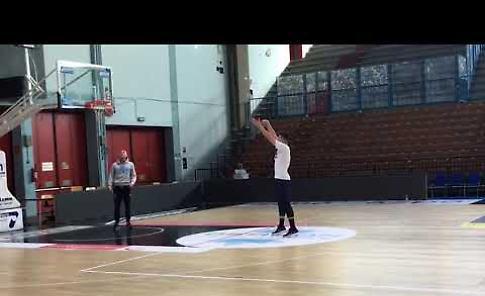 VIDEO Il primo allenamento a Cremona di Vojislav Stojanovic neoacquisto Vanoli