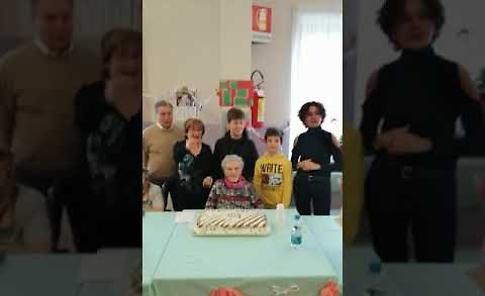 VIDEO La festa per i 103 anni di Ernesta Cattaneo