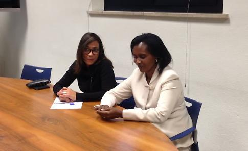 Mrs Margareth Mwthiga, Deputy Head of Mission, Chargè d'Affairs in Kenya, al giornale La Provincia