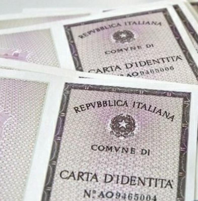 Documenti falsi per il permesso di soggiorno denunciato for Documenti per richiesta carta di soggiorno